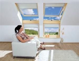 fakro-kniestock-dachfenster